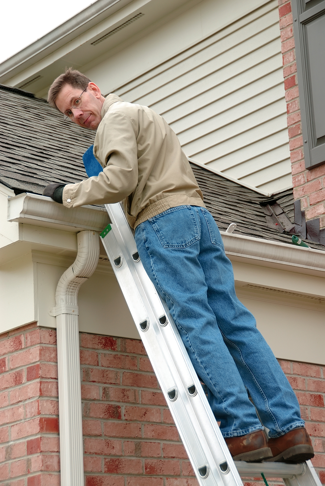 time-to-call-the-professional-roofers